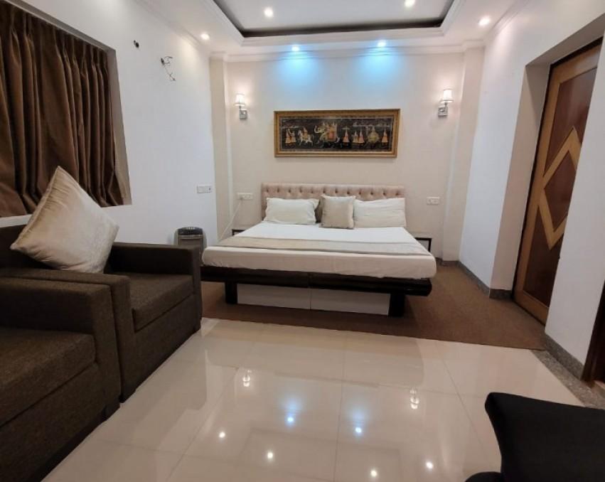 <p>Vasant Kunj Service Apartment</p>